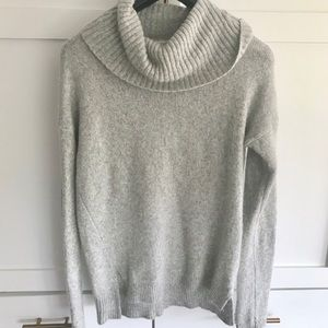 Gap cozy soft cowl neck chunky turtleneck sweater